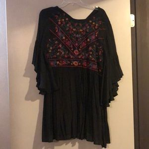 Embroidered 3/4 length flowy blouse